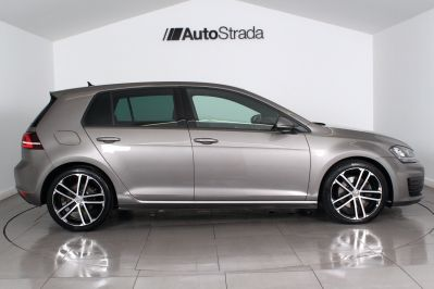 VOLKSWAGEN GOLF 2.0 GTD DSG 5 DOOR - 3303 - 6