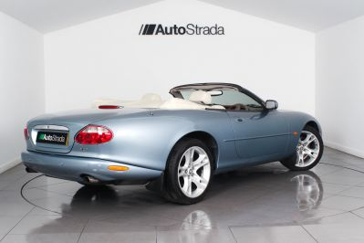 JAGUAR XK8 CONVERTIBLE - 3261 - 17