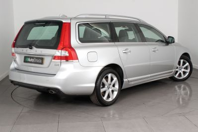 VOLVO V70 D4 SE LUX ESTATE - 3206 - 21