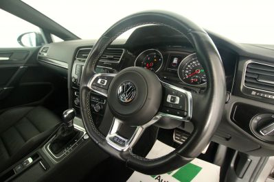 VOLKSWAGEN GOLF 2.0 GTD DSG 5 DOOR - 3303 - 52