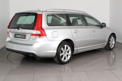VOLVO V70 D4 SE LUX ESTATE - 3206 - 15